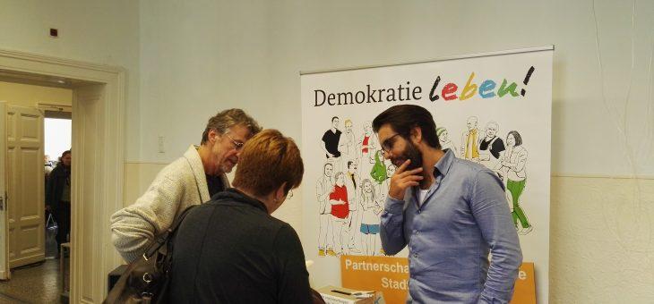 """Gute Stimmung beim Tag der offenen Tür im Holschentor (16.09.17). """"Demokratie leben!"""" war dabei"""